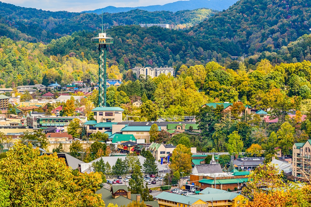 Skyline-of-downtown-Gatlinburg.jpg